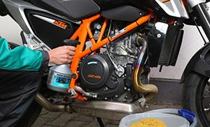 Спрей за почистване на мотори от Motorex